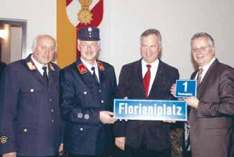 V. l.: AFK Ernst Janschitz, GFK Karl Thomasser, Bgm. Walter Harnisch, LH-Stv. Reinhart Rohr