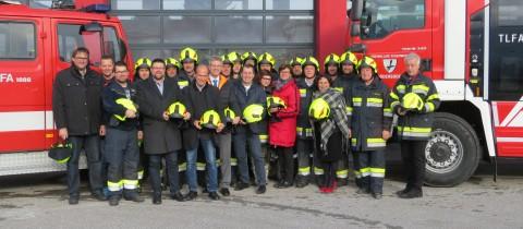 Neue Einsatzhelme für die Feuerwehr Gödersdorf